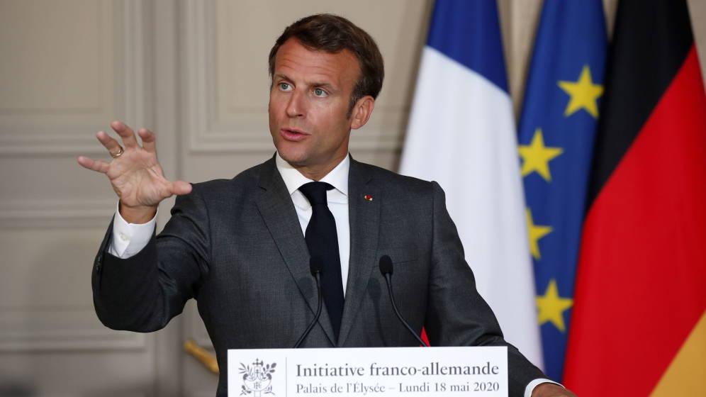 """Macron obligará a llevar mascarilla """"en todo lugar cerrado"""""""