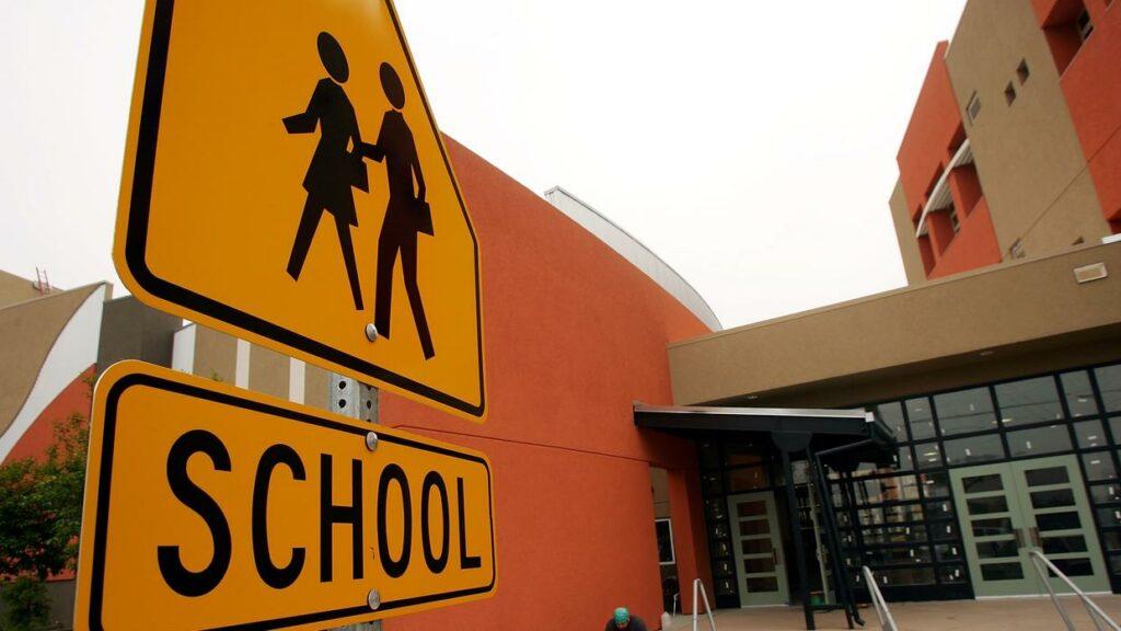 Miami-Dade dará clases totalmente por internet por decisión de los padres