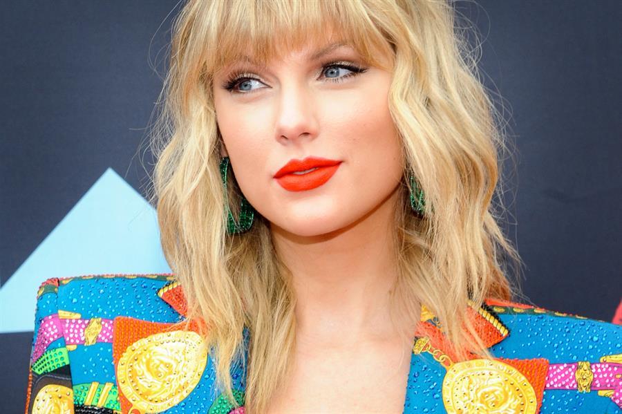 """Taylor Swift sorprende y enamora con el sencillez de """"Folklore"""""""
