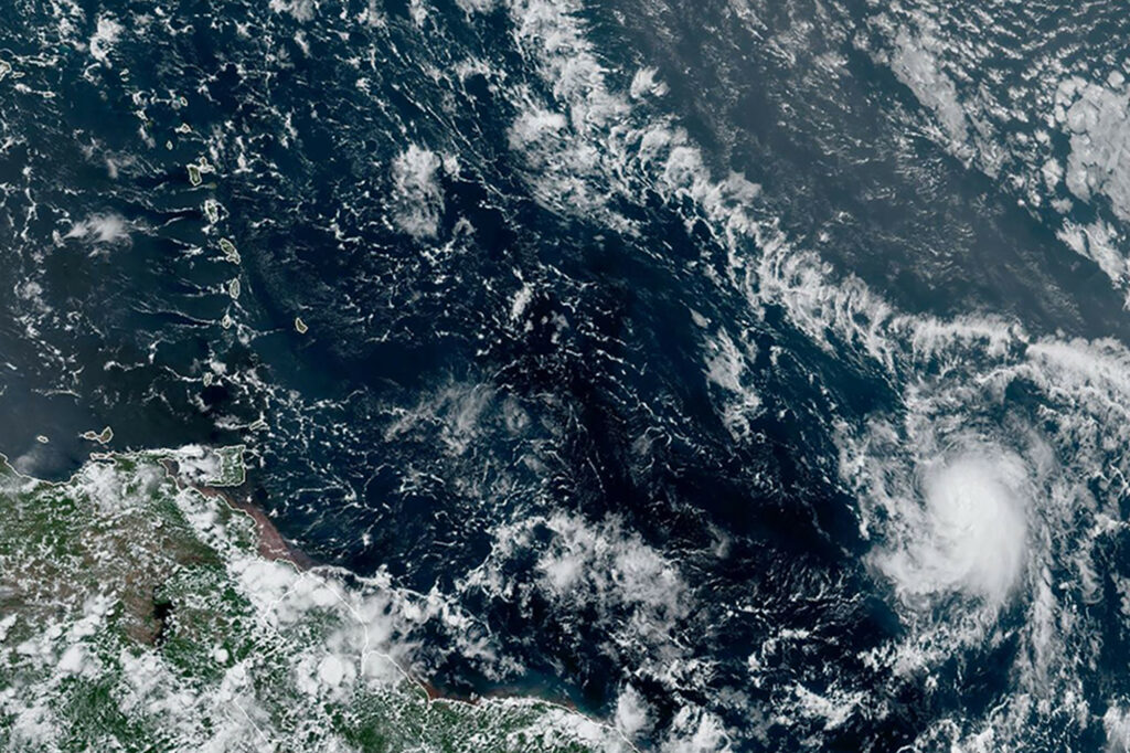 Tormenta Hanna va a Texas y Gonzalo se puede convertir en huracán