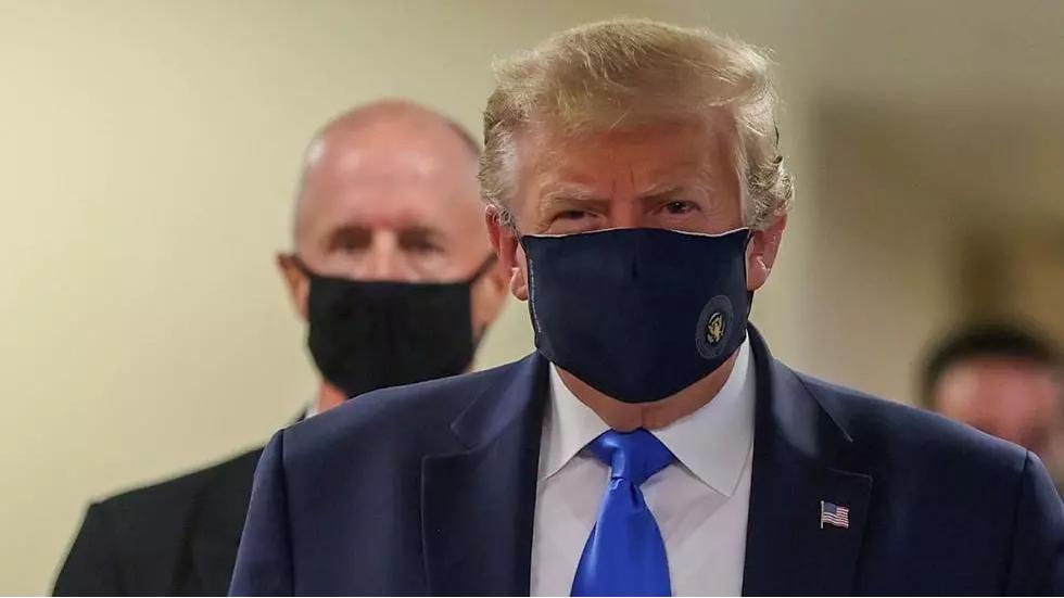 Trump minimiza la COVID-19, mientras los nuevos casos se cuentan por miles