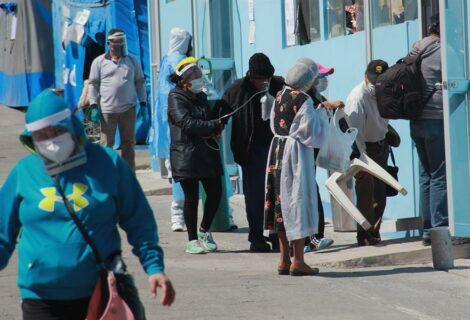 Unas 43.000 personas murieron por COVID-19 en Perú