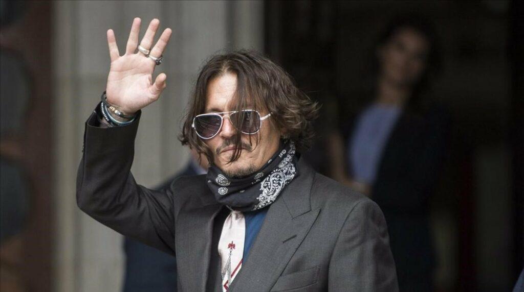 Winona Ryder y Vanessa Paradis aseguran que Depp no fue violento con ellas