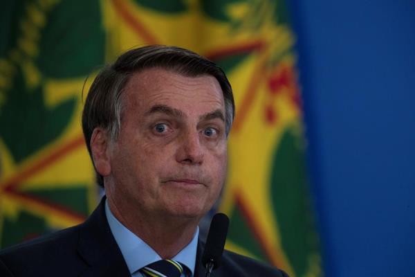 Bolsonaro da nuevamente positivo al coronavirus y seguirá en cuarentena