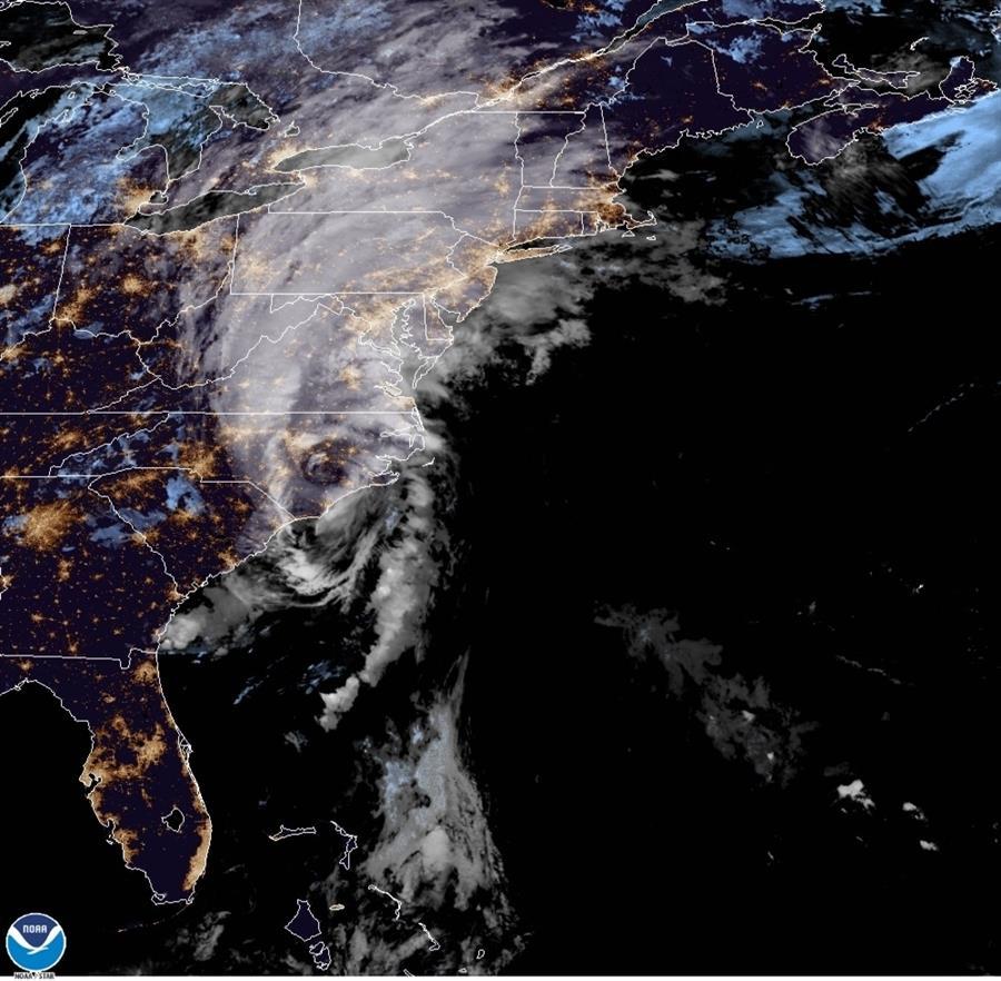 Isaías llega a Carolina del Norte como huracán de categoría 1