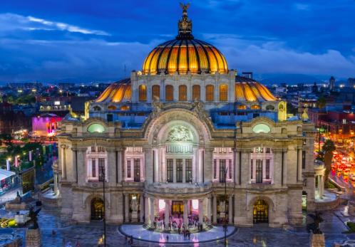 Ciudad de México da paso a la reapertura de cines, museos y piscinas