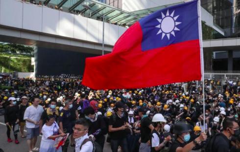 """Taipéi busca apoyo de EEUU para evitar que """"Taiwán se convierta en Hong Kong"""""""