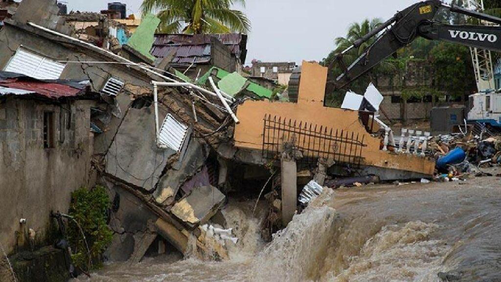 Cuatro muertos y casi 9.000 evacuados en República Dominicana por Laura