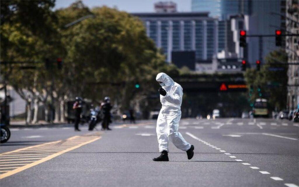 """Fernández alerta que argentinos se relajaron en el """"peor momento"""" de pandemia"""