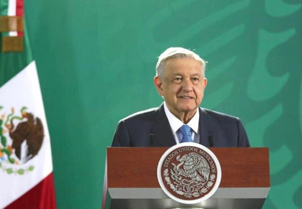 López Obrador ordena investigar si un soldado remató a un delincuente herido