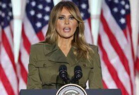 Melania Trump suaviza el agresivo discurso y llama a la unidad