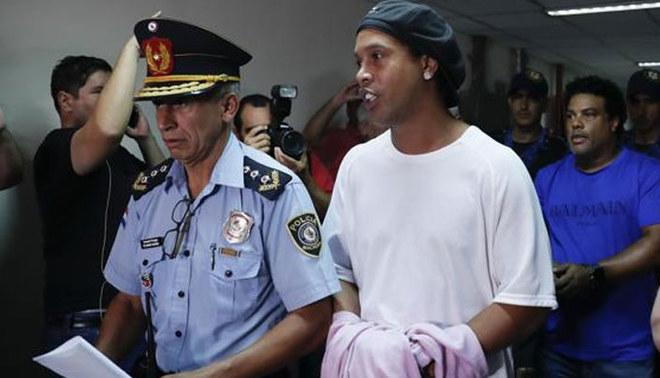 Ronaldinho acude a la Justicia paraguaya para conocer si queda en libertad