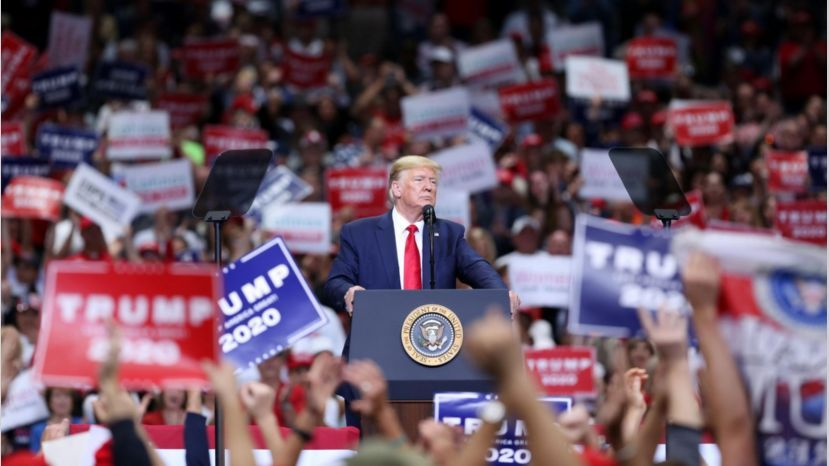 Trump pide votar por correo en Florida pese de que muchos no quieren