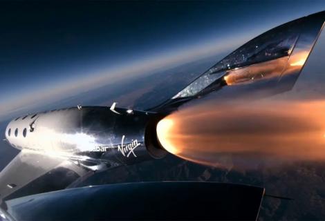 Richard Branson planea viajar con Virgin Galactic