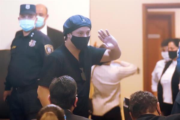 Ronaldinho es puesto en libertad tras seis meses detenido en Paraguay