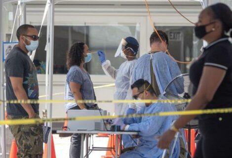 Casos nuevos de COVID-19 en Florida sobrepasan los 7.500 en un día