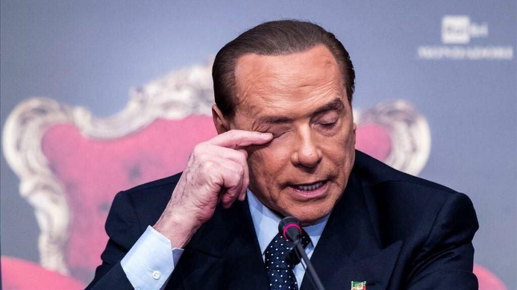 Berlusconi presenta mejoría del coronavirus