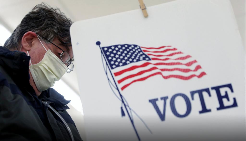 Bloomberg aporta millones para que exreos de minorías de Florida puedan votar