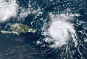Quince se aleja de EEUU y una onda avanza por el Caribe hacia Centroamérica