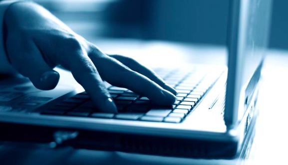 Arrestan a alumno de Miami por ciberataque a clases virtuales por COVID-19