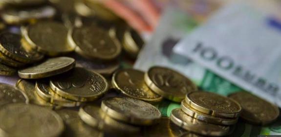 El euro supera los 1,17 dólares pese a buenas cifras de la economía de EEUU