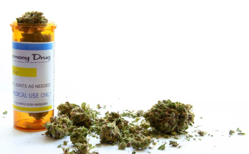 El cannabis reduce múltiples síntomas del Parkinson, según estudio