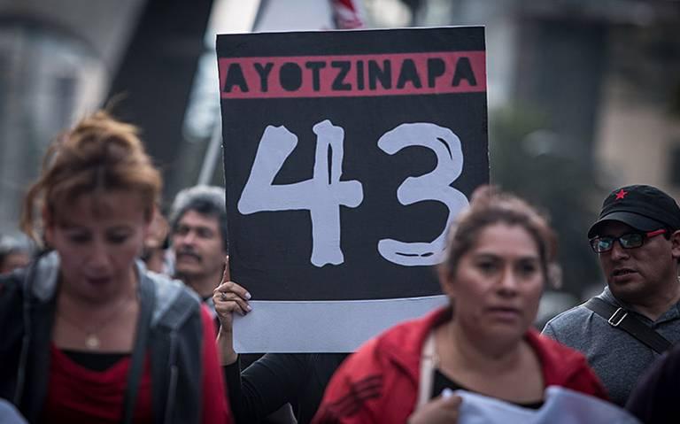"""López Obrador: """"La investigación de Ayotzinapa está en el momento crucial"""""""
