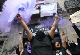 """López Obrador dice que protesta de mujeres es una """"exageración"""""""