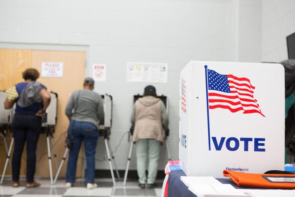 Proyecto obligaría a estados de EEUU a dar resultados electorales en un día