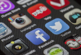 Tailandia denuncia a Facebook y Twitter por mantener contenido antimonárquico
