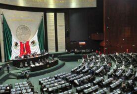 """López Obrador celebra el """"histórico"""" retiro del fuero presidencial en México"""
