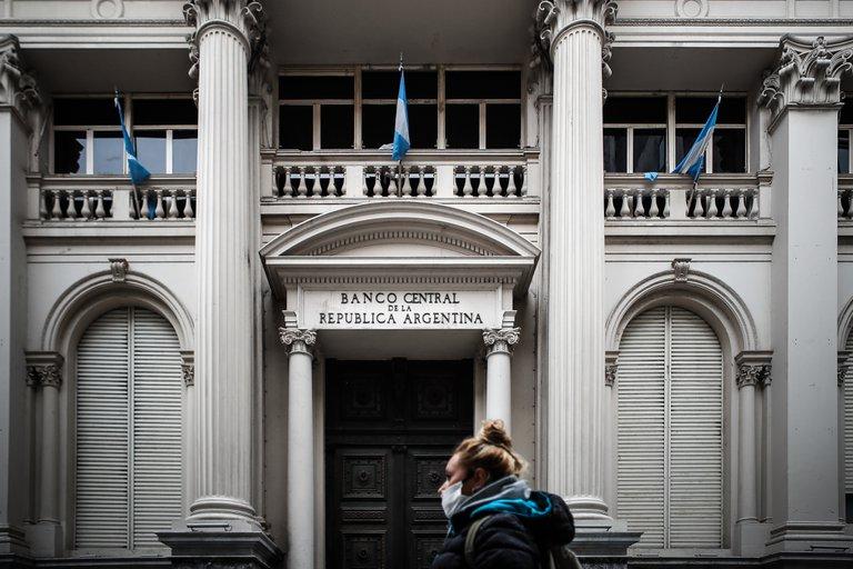 Argentina admite que la negociación con FMI podría incluir fondos nuevos