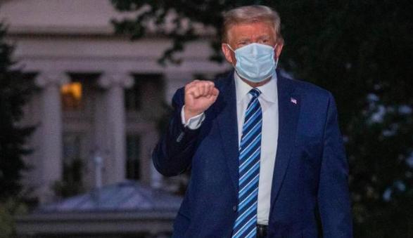 """Trump rompe su aislamiento y describe como una """"bendición"""" tener  COVID-19"""