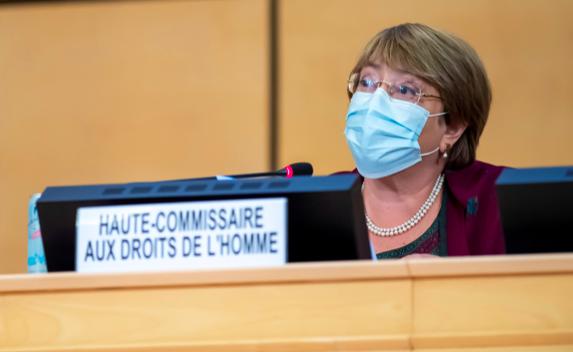 """Bachelet pide que los DD.HH. ocupen el """"centro"""" de la recuperación pos-COVID-19"""