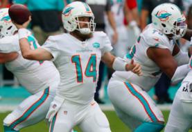 Fitzpatrick y los Dolphins mantienen sin victorias a los Jets