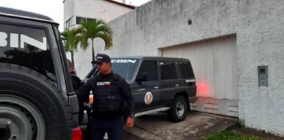 Liberan a trabajadoras de diario regional en Venezuela tras horas de arresto