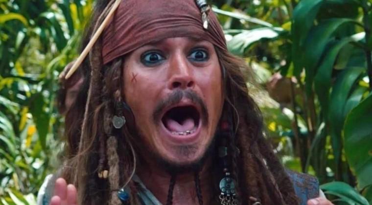 """Craig Mazin reinventará la saga de """"Piratas del Caribe"""""""