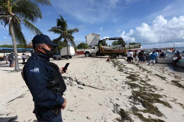 México declara alerta roja en Cancún por llegada inminente del huracán Delta
