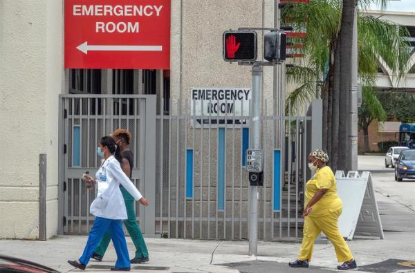 Florida añade 2.628 casos y más de un centenar de muertes por COVID-19