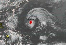 """Epsilon ya es """"huracán mayor"""" y se acerca a Bermudas"""