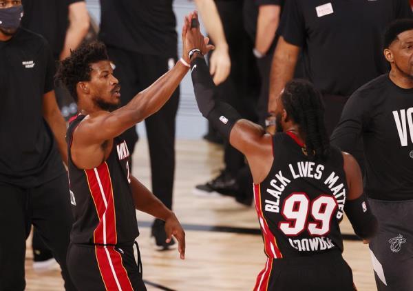 Butler aprovecha falta de intensidad de Lakers y da triunfo a Heat
