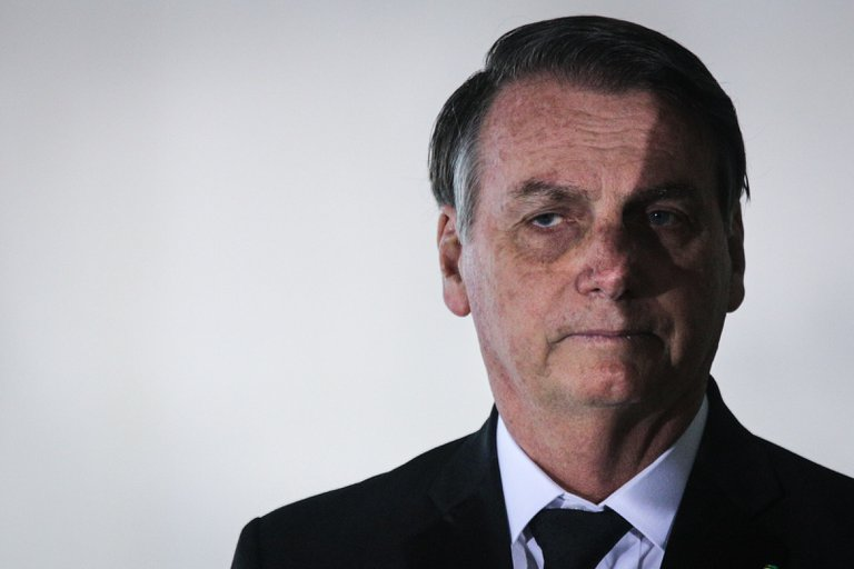 Bolsonaro comenta la suspensión de las pruebas de la vacuna china