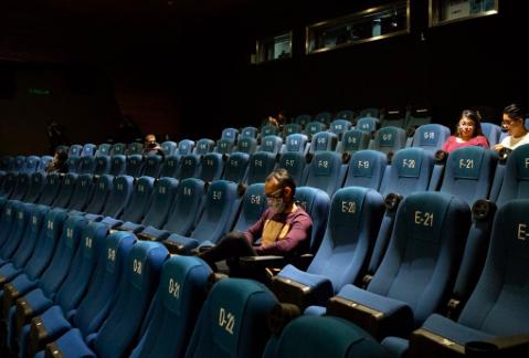 Ciudad de México recorta horarios en cines, museos y teatros por rebrote de Covid-19