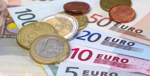 El euro cae tras el anuncio de Moderna sobre su vacuna