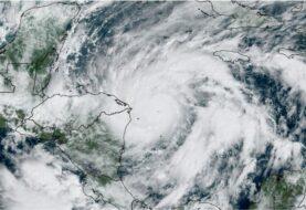 El NHC advierte que el ojo de Eta aún no ha llegado a la costa de Nicaragua