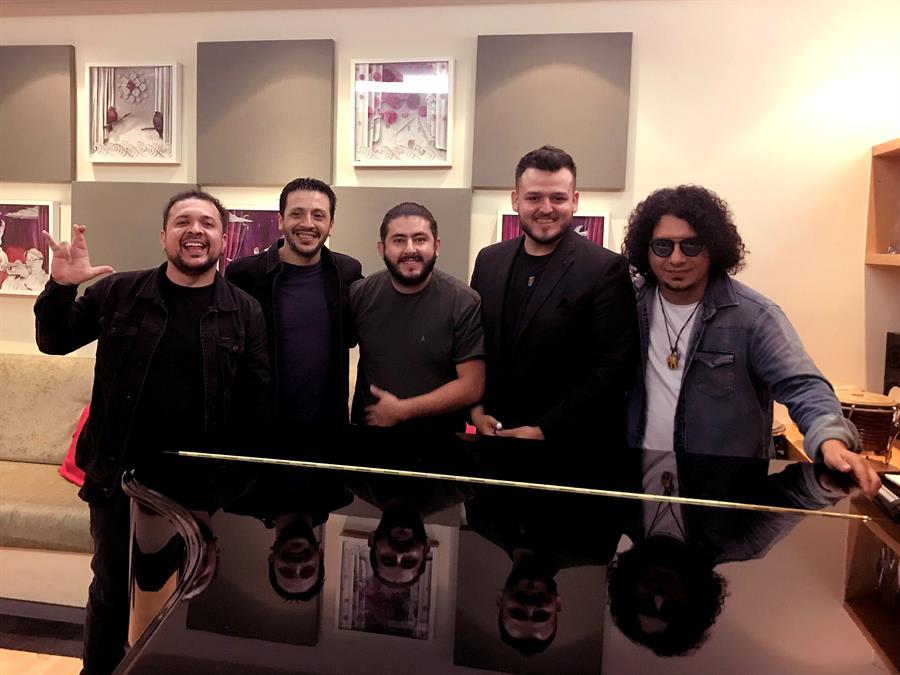 """El guaraní llega a los Latin Grammy con """"Aguije"""""""