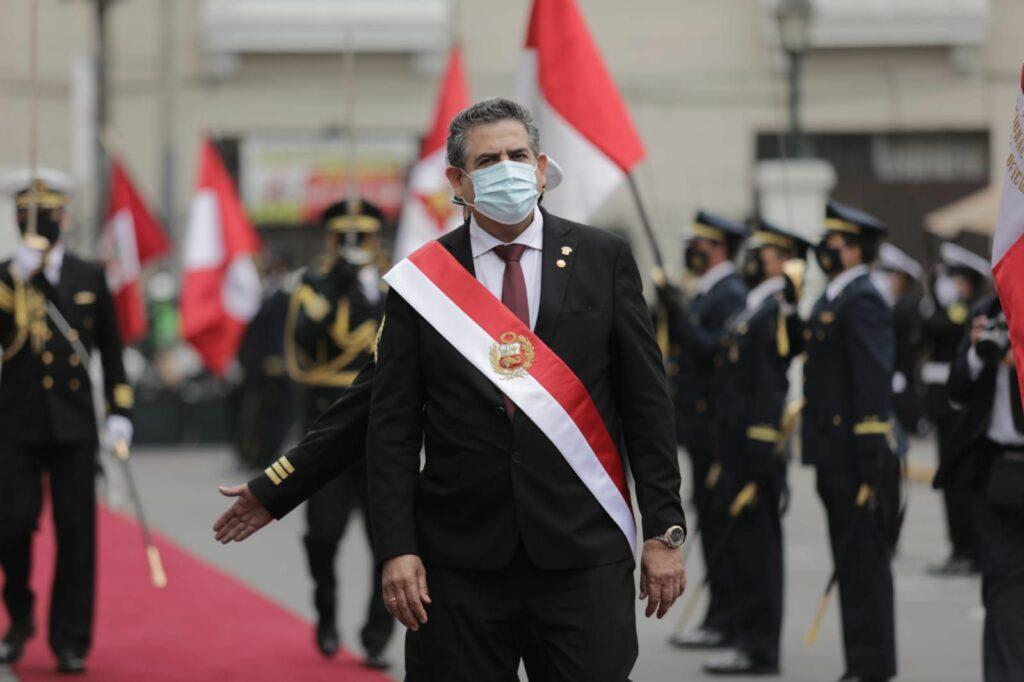 """En Perú Merino no encuentra la """"ancha base"""" donde asentar su Gobierno"""