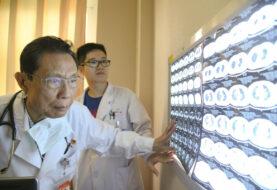 Experto chino dice que las vacunas chinas son tan eficaces como la de Pfizer