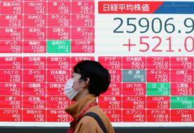 Bolsa de Tokio pierde un 1,1 % ante nueva ola de contagios en Japón