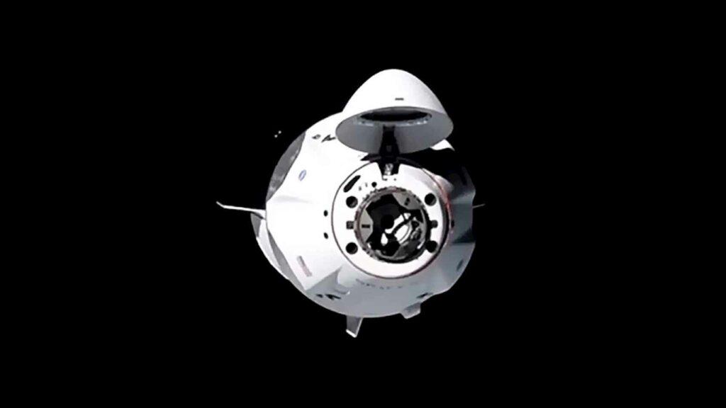 La cápsula de SpaceX se acopla con éxito a la Estación Espacial